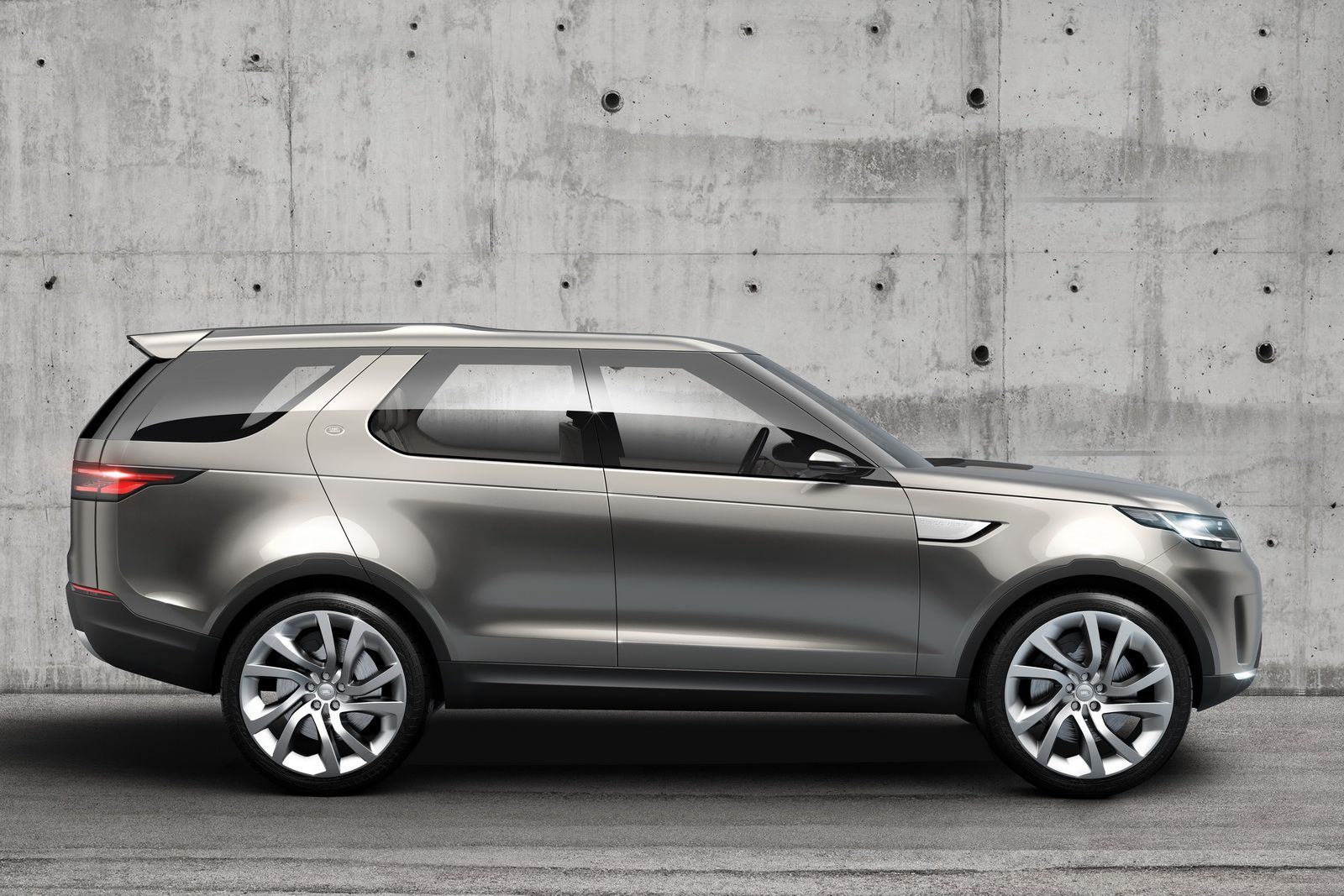 New Land Rover Discovery Vision Concept Looking All Range Rovery