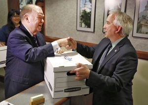 'Cut taxes' mentality jeopardizing state, Boren says