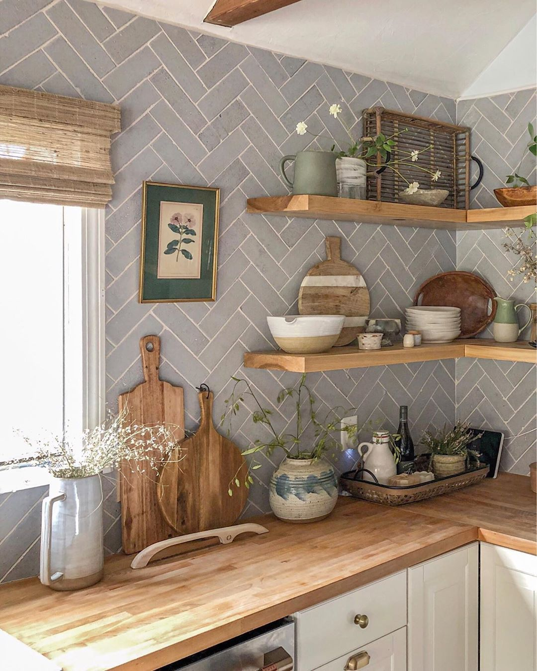 """Photo of emily starr alfano / mStarr on Instagram: """"KITCHEN SHELF STYLING TIPS ! 👇🏻 i spent a couple days this week restyling ours. they feel lighter + airier, and more well-rounded. the…"""""""