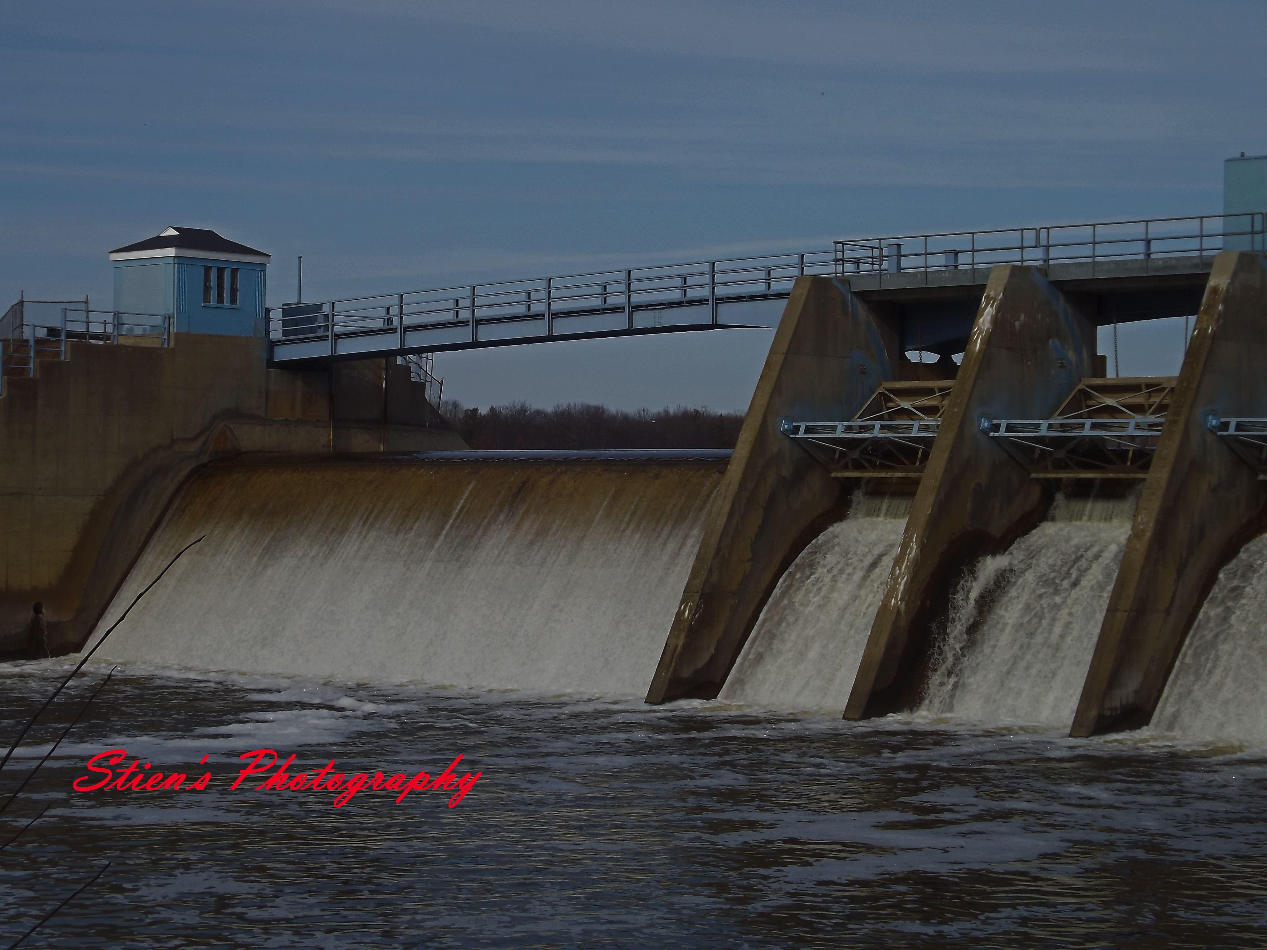 Halloway Reservoir I Ve Walked Across This Dam 100 S Of