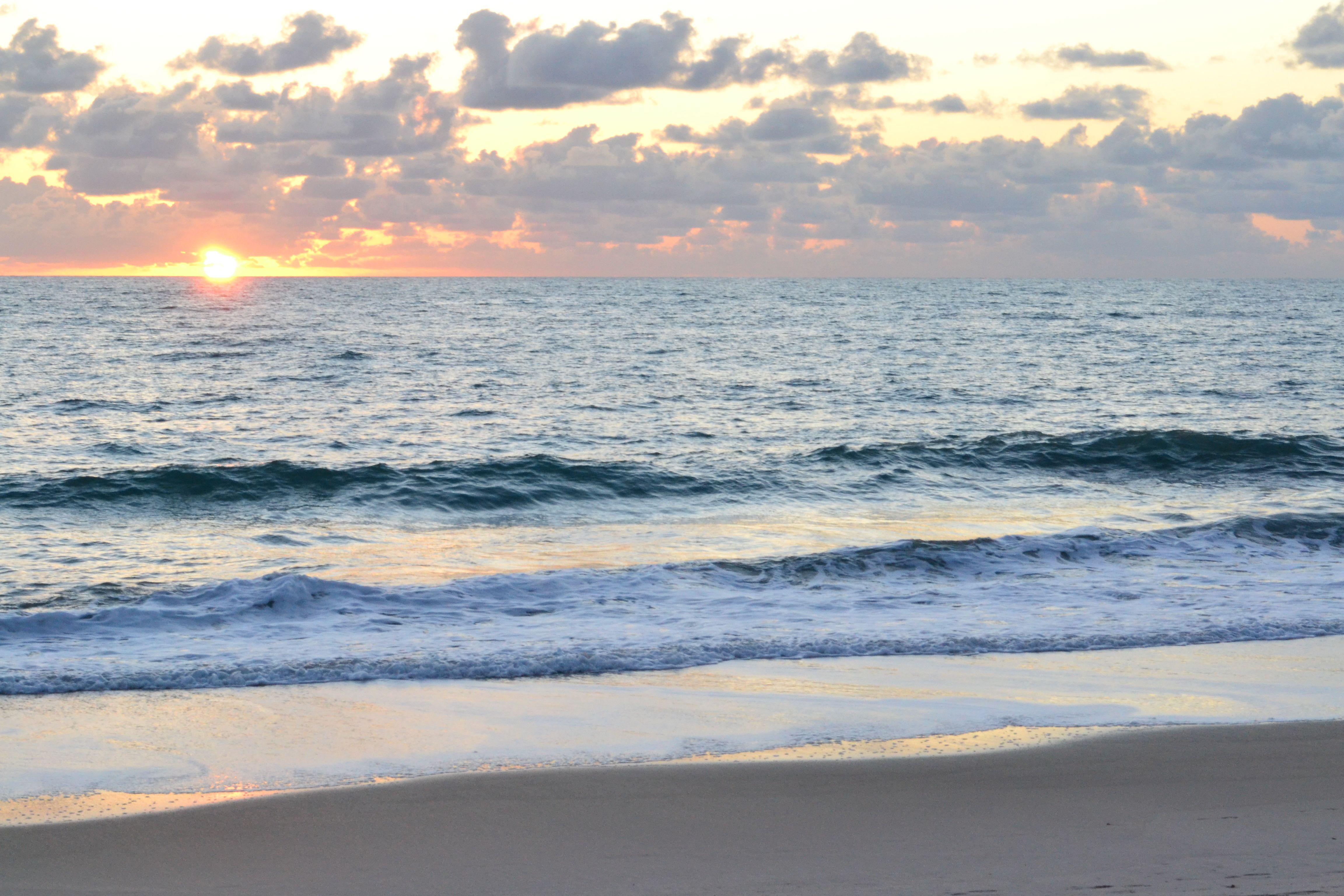 Sunrise At Humiston Beach In Vero Beach Fl Vero Beach Vero
