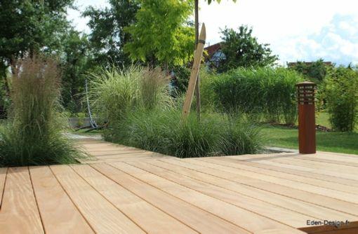 Jardin contemporain terrasse bois gramin es jardin for Modele jardin contemporain