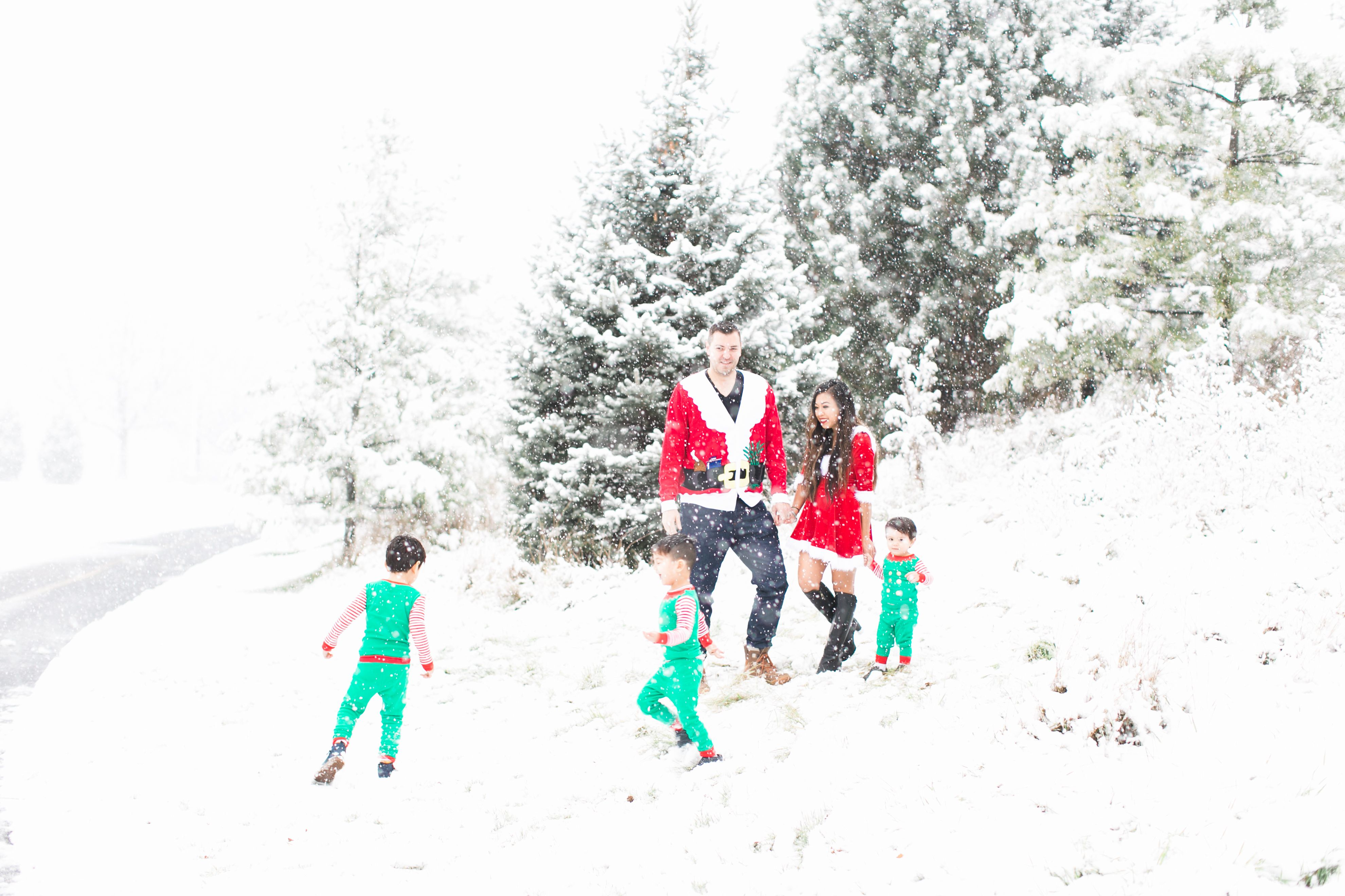 The Funniest Holiday Family Photos Ever  #holiday #christmas #family #five #holidaycards #christmascards #funny #unique