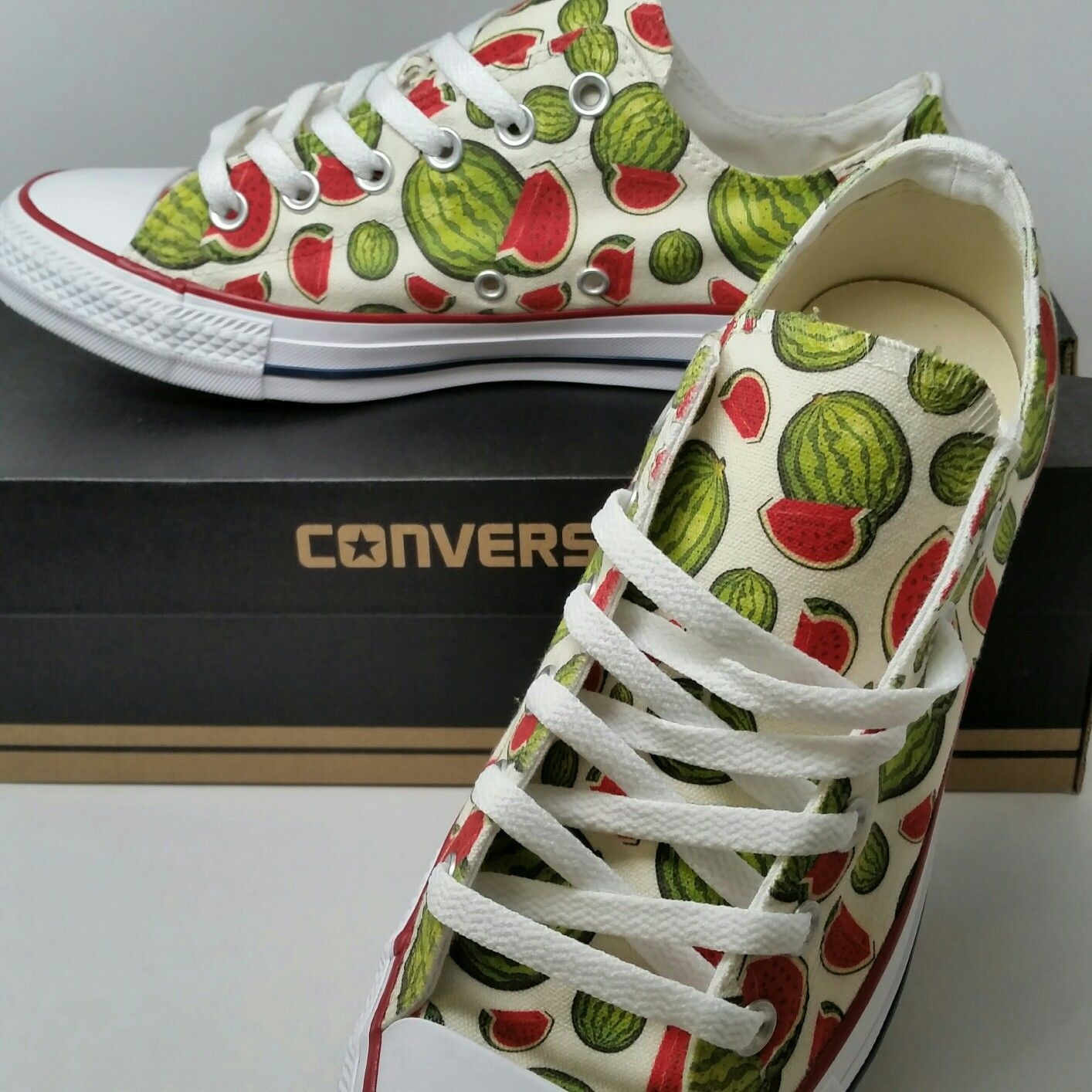 Anzai Empotrar Volverse loco  Pin on Custom Converse Chucks - Customize Converse Shoes Online