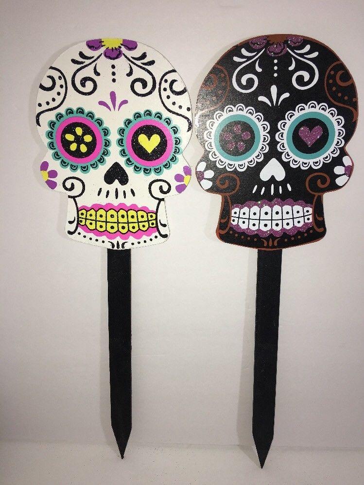 "2 Skull Wooden Stakes 18"" Sugar Skull -Day Of The Dead Black And White NEW  | eBay"