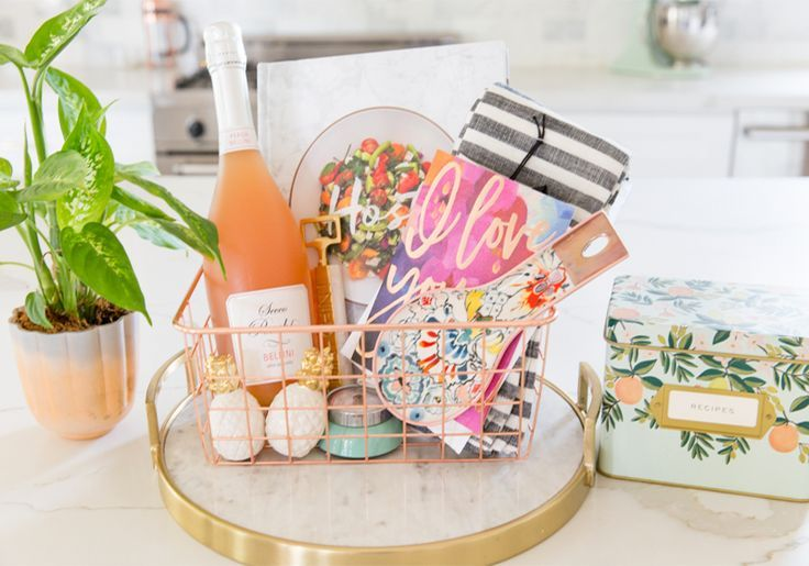 DIY GIFT BASKET IDEAS FOR THE MOM WHO LOVES TO COOK AND