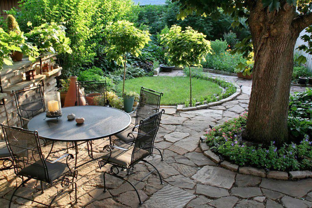 25 ideas de dise os r sticos para decorar el patio con for Patios de piedra