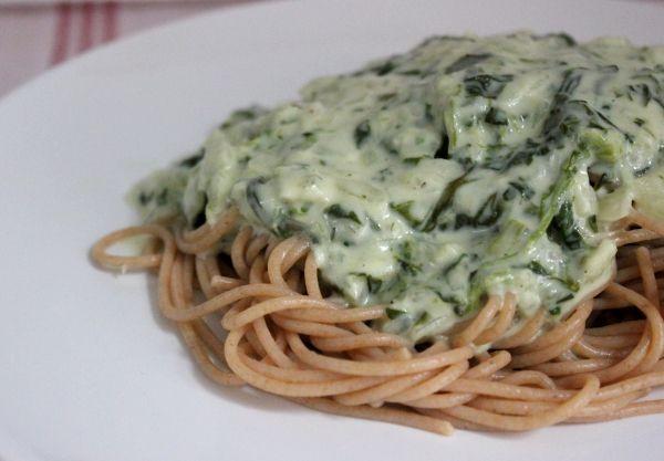 Line kocht: Vollkornpasta mit Gorgonzola-Spinat-Soße: