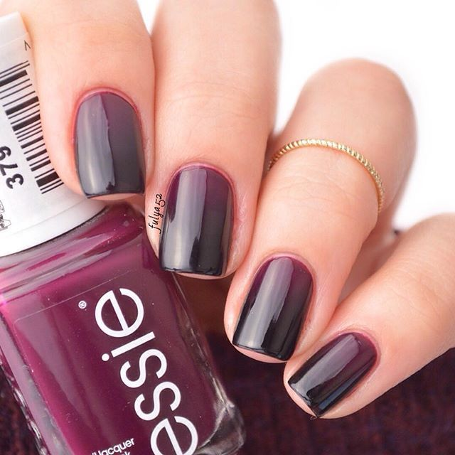 ombre nails with essie \'in the lobby\' and \'licorice ...