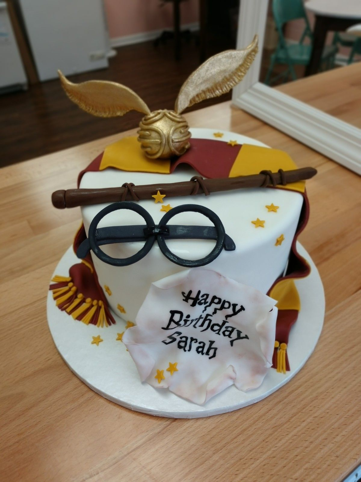 Swell Harry Potter Cake Golden Snitch Birthday Cake With Images Funny Birthday Cards Online Alyptdamsfinfo