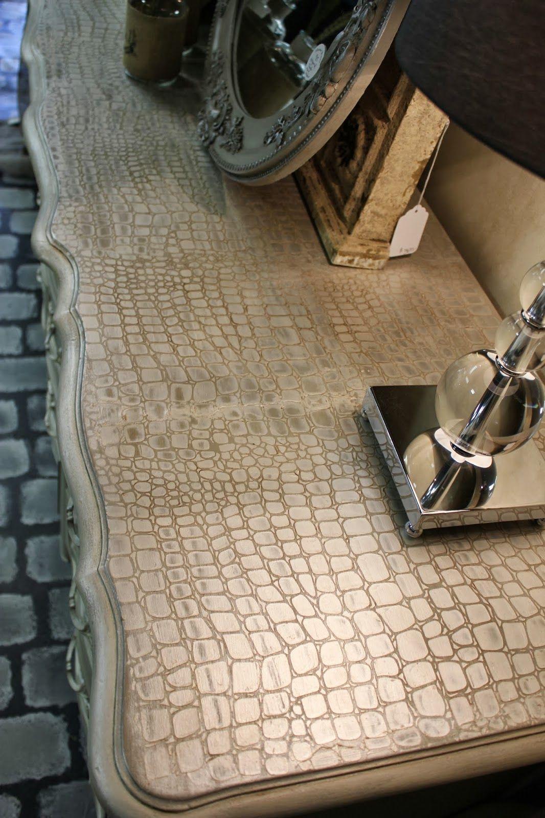 Maison Decor: Pearl Plaster Croctop Dresser and Workshop!