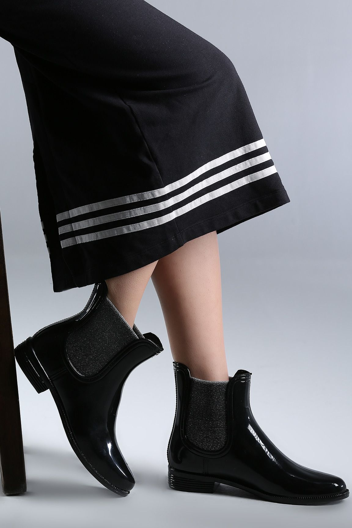 Siyahsimli Lastikli Bayan Bot Bot Ayakkabilar Cizmeler