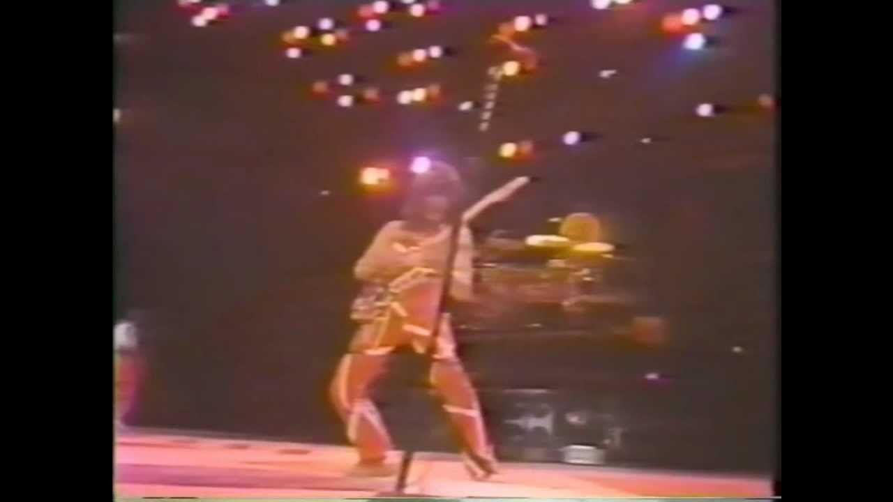 Van Halen Dancing In The Street Live 1983 Van Halen Es Una Banda De Hard Rock Originaria De Estados Unidos Inicialme Van Halen Music Memories Cover Songs