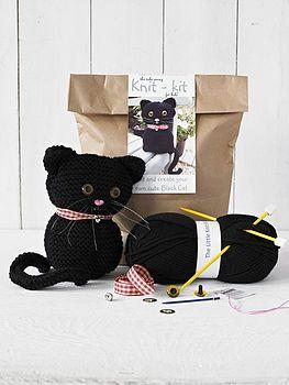 Knitting starter kit - black cat.