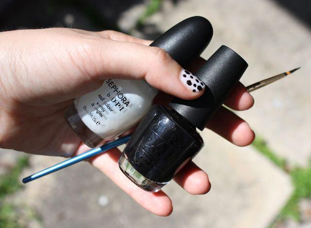 DIY polka dot nails!