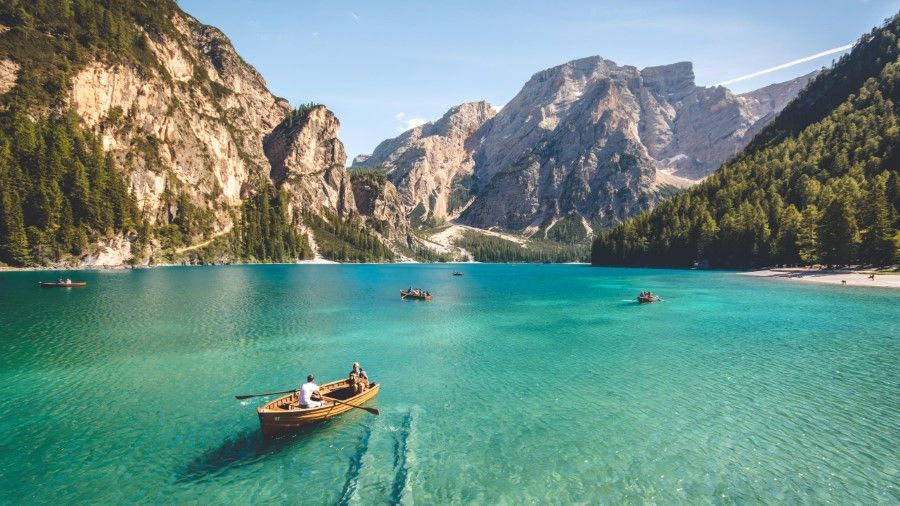 99 Funny Zoom Virtual Backgrounds To Download Man Of Many Boat Places To Go Boat Plans