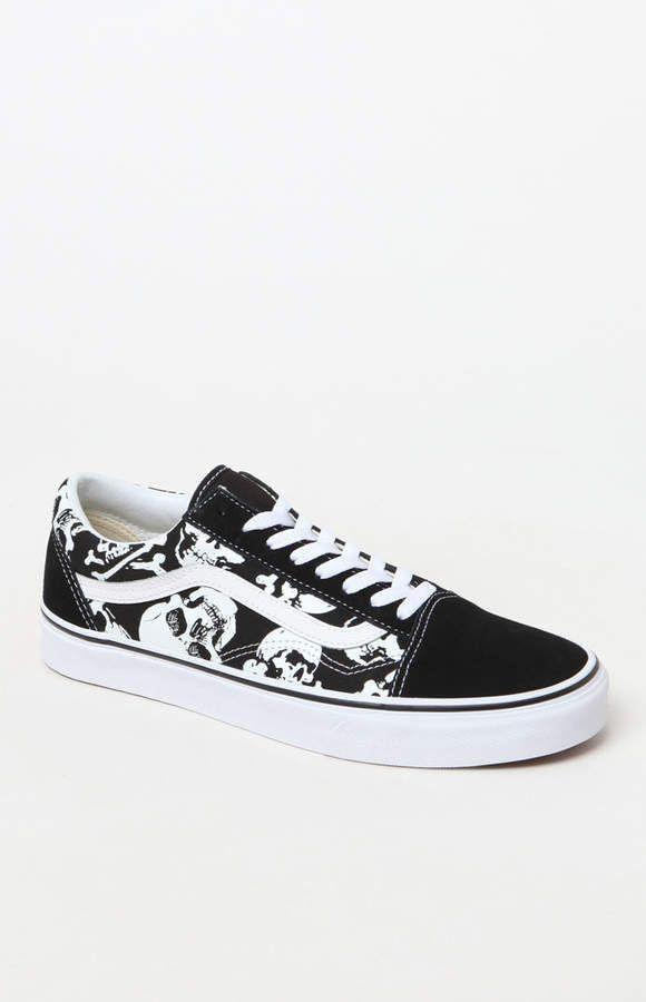 0093b18f326d7 Vans Old Skool Skulls Shoes
