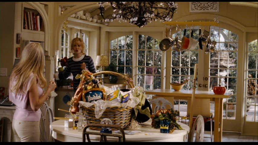 I watch this movie over and over just to look at this kitchen. Bewitched with Nicole Kidman
