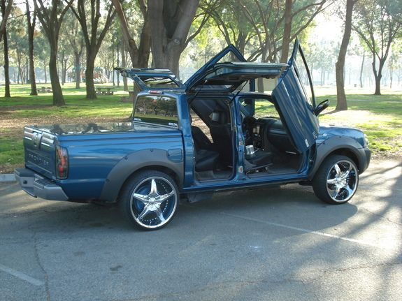 Image Result For 2004 Nissan Frontier Roll Pan Truck Pinterest
