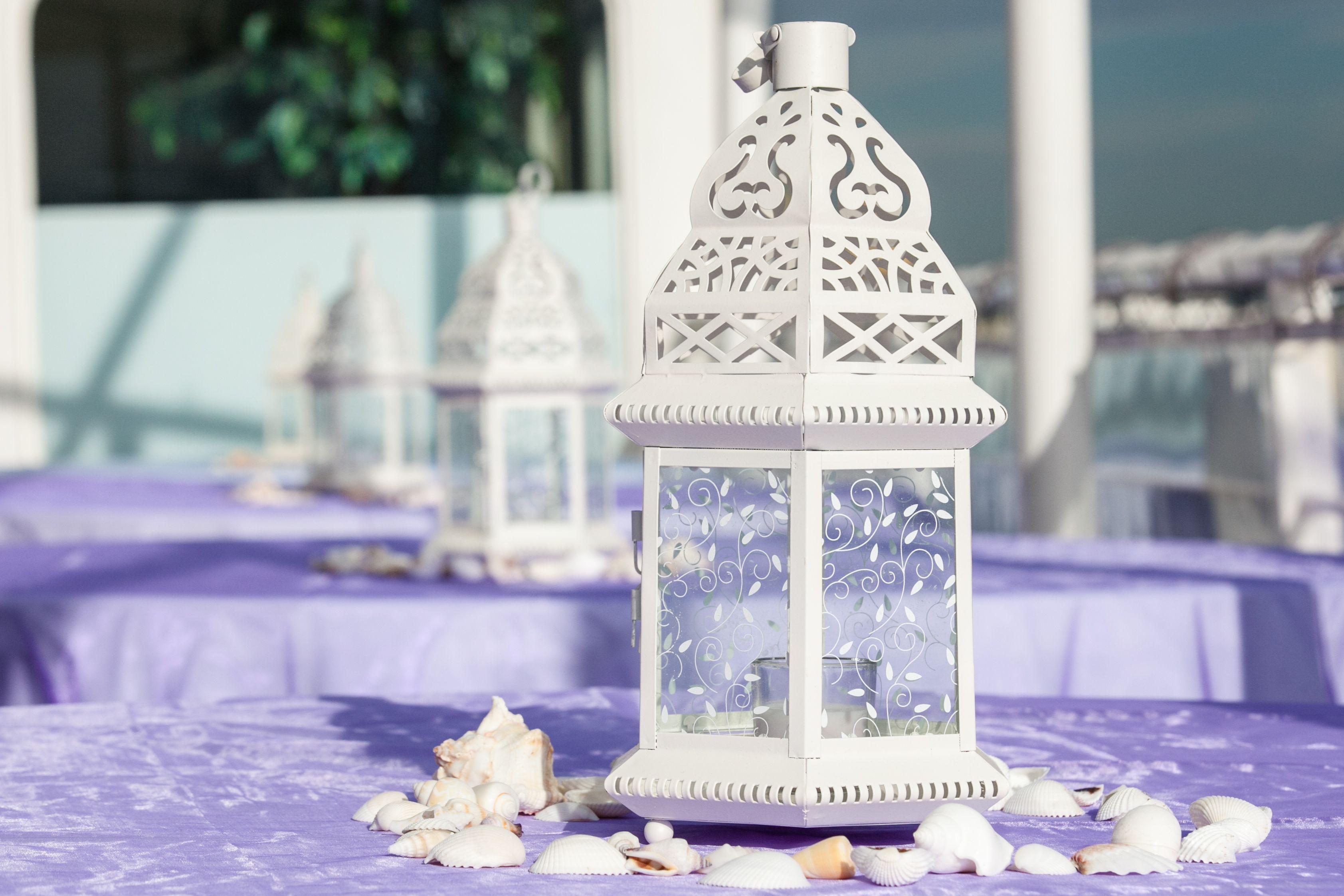 Moroccan Lantern Centerpieces With Seashells Wedding Table