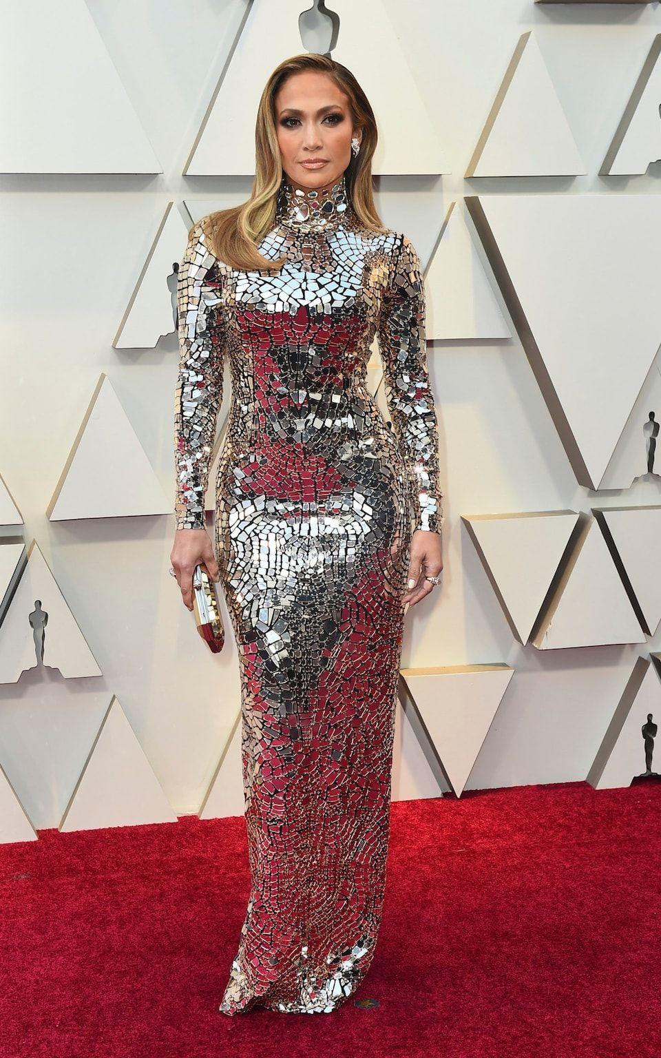 b48ceb2b487f Oscars 2019 red carpet  Lady Gaga