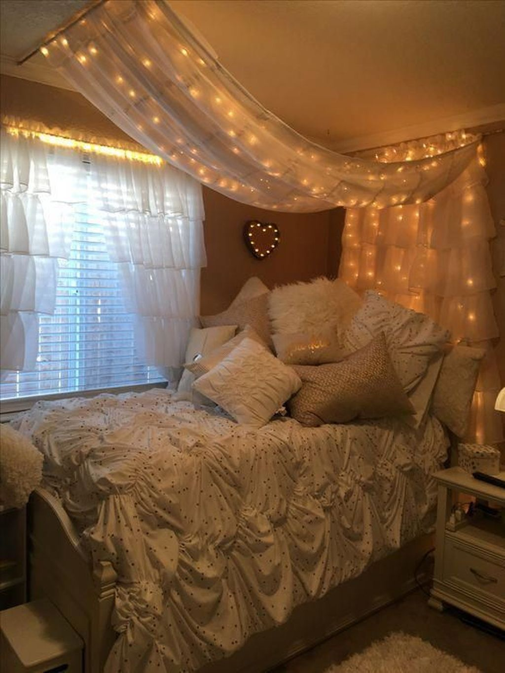 36 Beautiful Romantic Industrial Bedroom Ideas Simple Bedroom Bedroom Decor Relaxing Bedroom