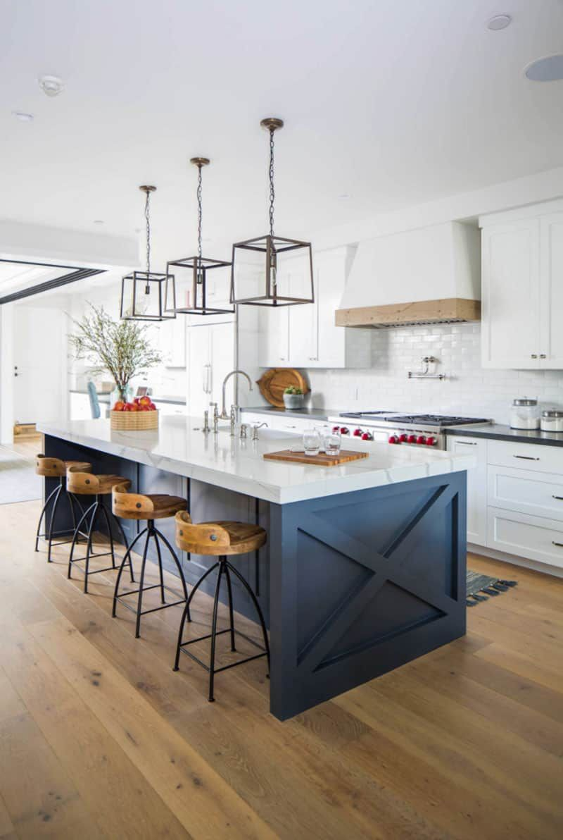 25 Jaw Dropping Ideas For A Beautiful Rustic Farmhouse Kitchen In 2020 Kitchen Design Small Interior Design Kitchen Kitchen Island Design