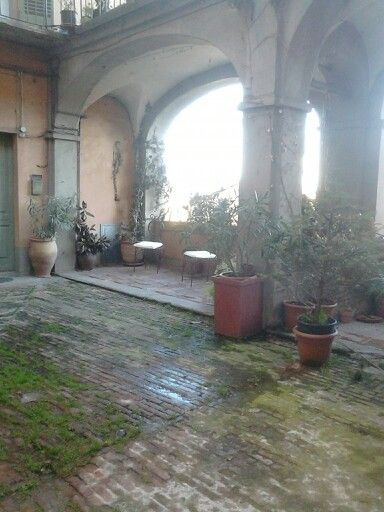 Interno cortile,,,,.Moncalieri Torino