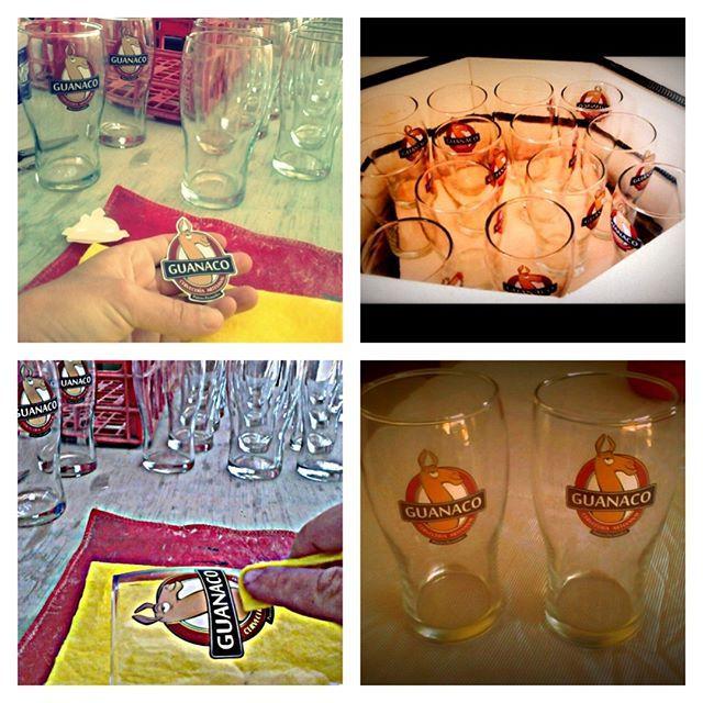 Este verano decidimos darle  más pinta a nuestras pintas! Por eso ahora cada una tiene el logo de Guanaco Cervecería Artesanal,  podes llevarte tu pinta  para seguir disfrutando todo el año de una cervecita artesanal.  Gracias Nocticulas Cosas Lindas por  hacer tan lindo trabajo de vitrificado. #guanacocerveceriaartesanal #momentoguanaco #guanaqueando #cena #sabores #cocinaconamor #cerveza #pintas #vitrificado #logo #trabajoartesanal #trabajolocal  #puertopiramides #peninsulavaldes…