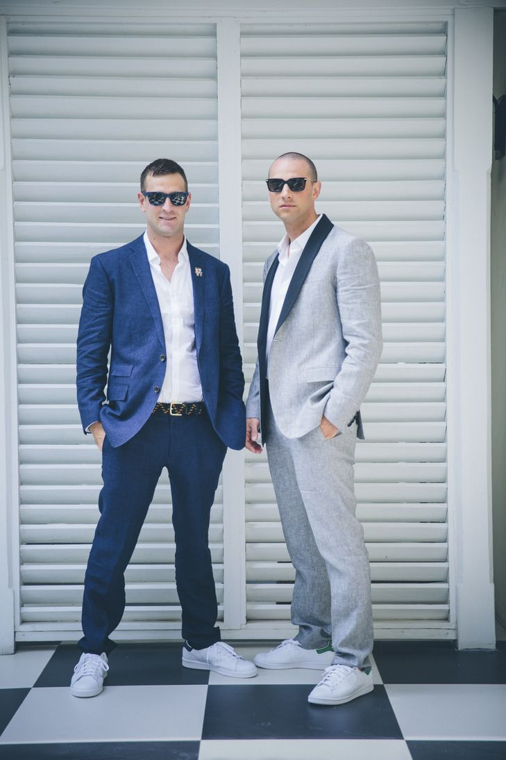 Linen Groom & Best Man Suits | Photo: Kane and Social | Groom ...