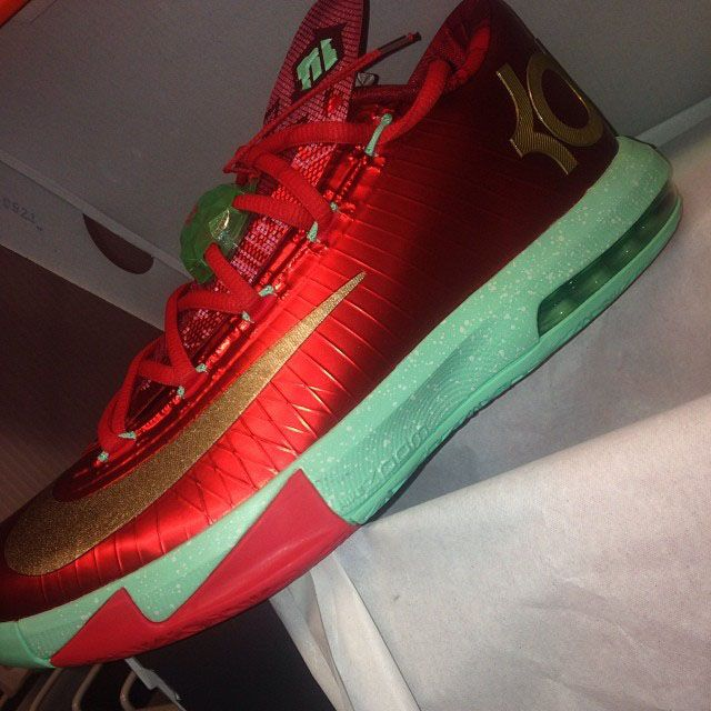 new product 27ef6 d881c The Nike KD 6 VI Christmas Sneaker is available Now HERE w  Backup links  HERE and HERE ! definitely more of your traditional Xmas co.