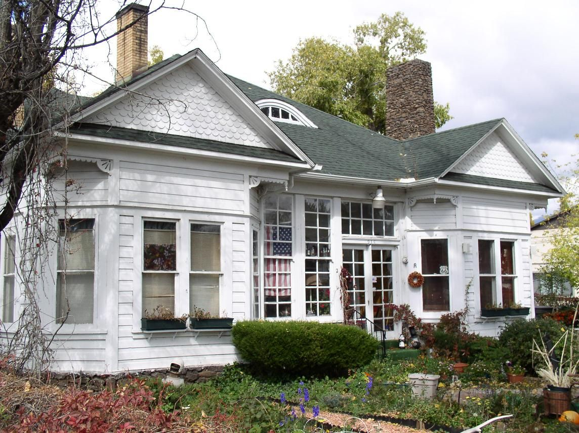 House plans with eyebrow windows