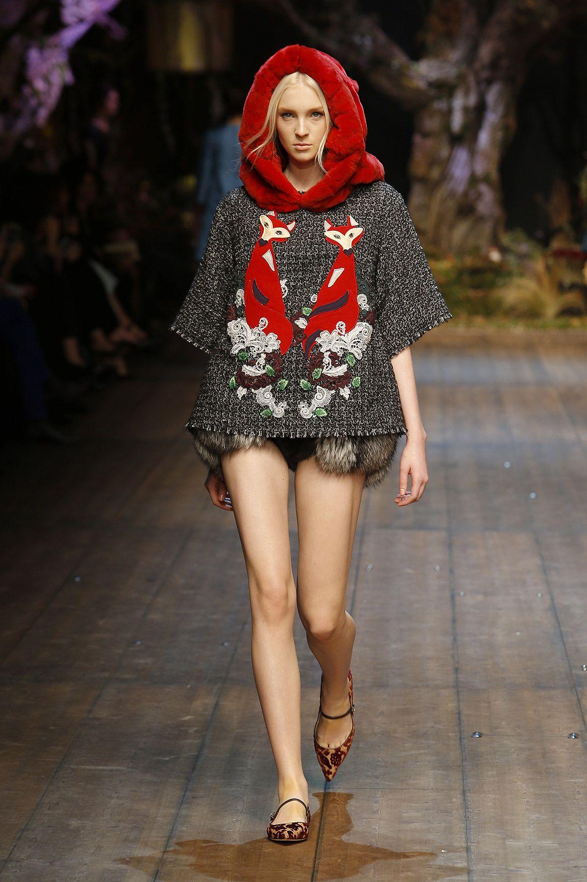 Dolce   Gabbana – Gallery Sfilata Donna - Autunno Inverno 2014 2015. Cerca  questo Pin e molto altro su Tendenze della moda ... ce4ef71c805