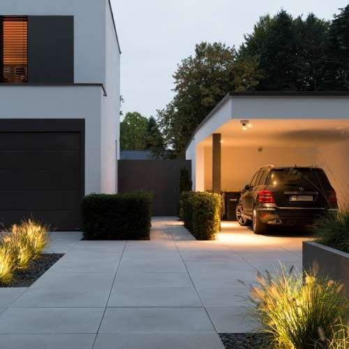 Moderner Vorgarten mit Hochbeet, Ziegräsern und individueller Beleuchtung | #landscapelightingdesign