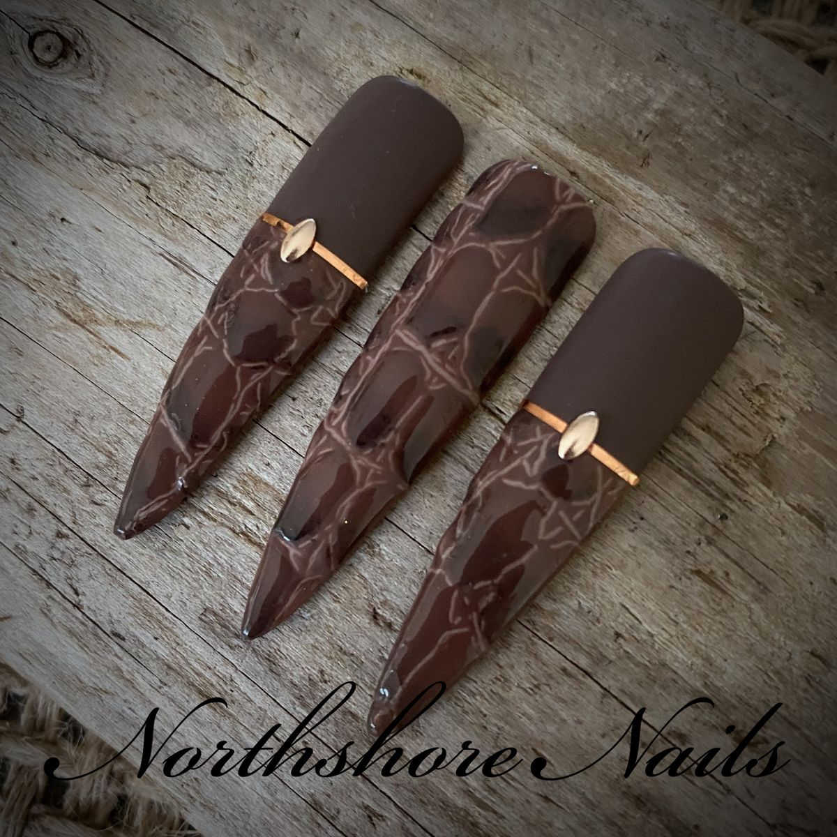 In a while...crocodile! Absolutely in L🤎VE with this new technique! Part 2! Thank you again for the awesome class @classicmully • Using the best @uglyducklingproducts • • #crocodileskin #artisticnails #crocodilenails #nailartaddict #uniquenails #fashionnails #handpaintednailart #Nailart #brownnails #notd #fashion #instanails #neutralnails #leathernails #nailtrends #gelnailartist #nailsoftheday #nailartdesigns #handbag #fashionweek #okanagannails #gelnails #customnails #texturednails #stilettona