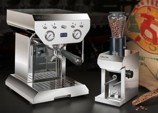 GILDA Kaffeemaschinen – ein Stück Schweizer Perfektion, Kaffeekultur pur! Hochwertig und stilvoll, ausgezeichnet mit dem reddot design award. GILDA ist ein Blickfang in jeder Küche, klare Formen reduziert auf das Wesentliche bei einfachster Bedienung – die Basis für den perfekten Kaffee. #coffeemachinedesign#espressomachine#swissmade#swisscoffeemachine#swissqualitycoffee#kuechendesign# espresso#cappuccino#lattemacchiato#lifestyle  www.wohn-punkt.ch