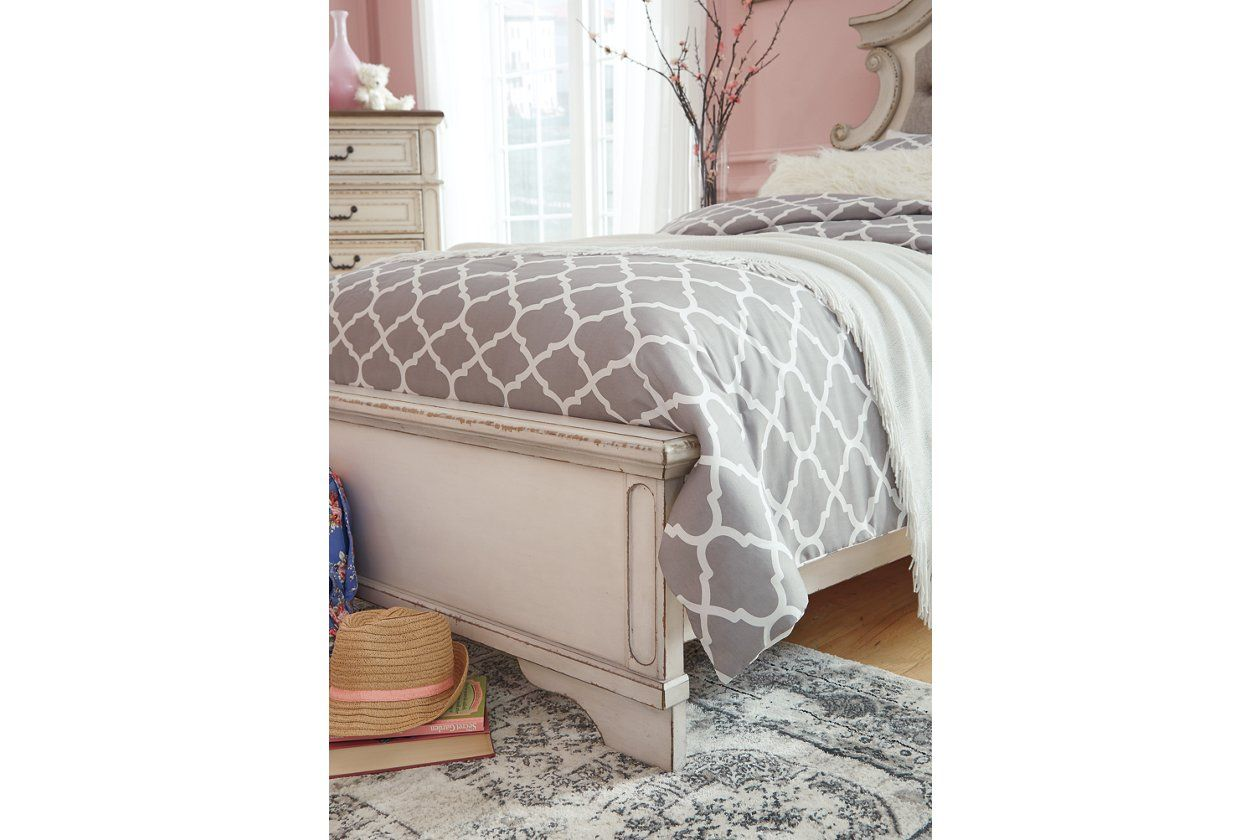 Best Realyn Queen Upholstered Panel Bed Ashley Furniture Homestore In 2020 Upholstered Panel Bed 400 x 300