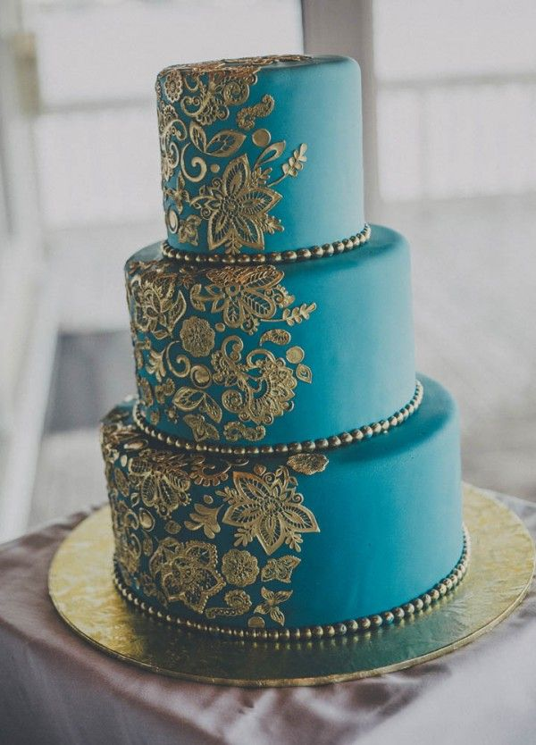 Cake For Mehndi Ceremony : Blue and gold hindu wedding at riverhouse cake