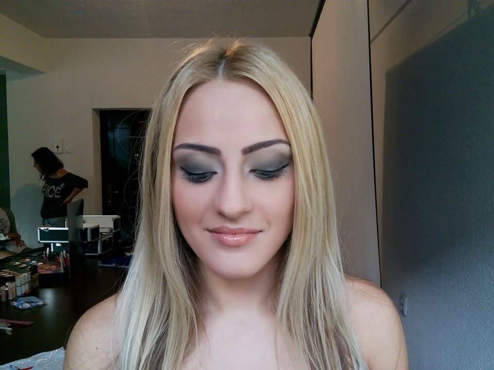 Pin By Profesional New Consult On Curs Machiaj Make Up How To