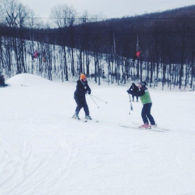 beginner skiing lesson at whitetail ski resort in pennsylvania