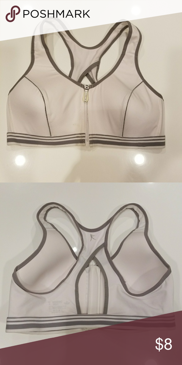 3657d8bf59 New Danskin Now 38D Zipper Front Sports Bra This sports bra is Brand New Never  Worn and are in PERFECT CONDITION. Danskin Now Other