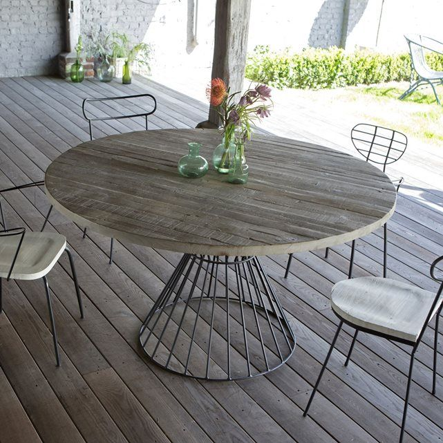 salon de jardin table ronde d 39 ext rieur metal noir et pin mobilier bois 140 cm tikamoon la. Black Bedroom Furniture Sets. Home Design Ideas