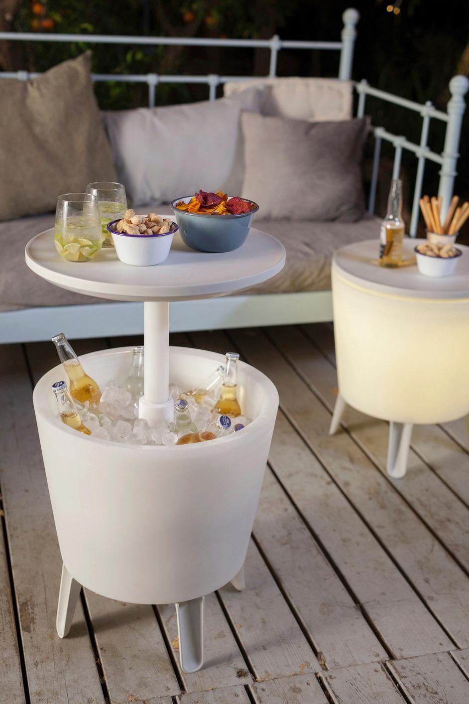 GARTENBARTISCH Als Gartentisch getarnte Minibar