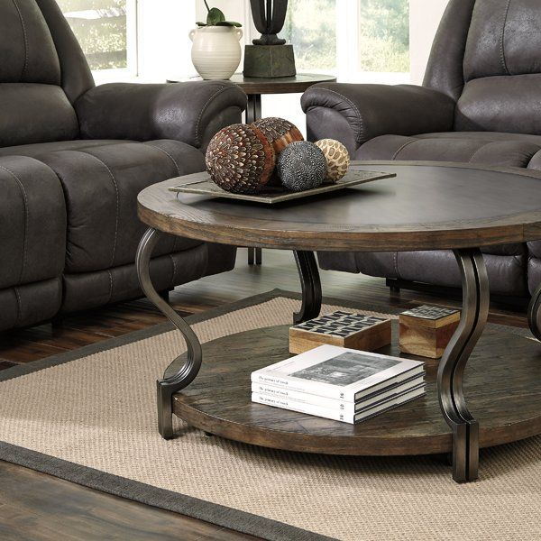 Stylist 39 S Tip Understated Pieces Are Perfect For Letting Your Favorite Accents Take Center Stage With Images Coffee Table Square Coffee Table Coffee Table Farmhouse