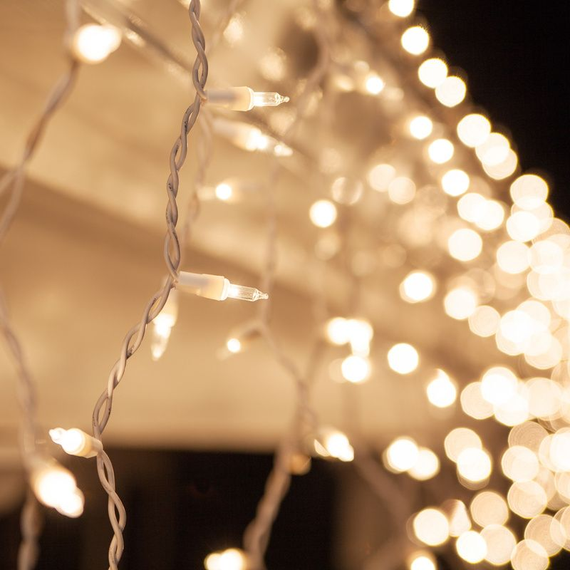 100 clear icicle lights white wire short drops