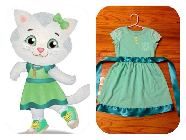 cd7d1c278aad02 Easy Katerina Kittycat dress for your little Daniel Tiger s Neighborhood  fan! Take a basic turquoise short-sleeve dress (this one is from Carter s)