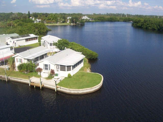 Park your rv at upriver campground rv resort along the for Caloosahatchee river fishing