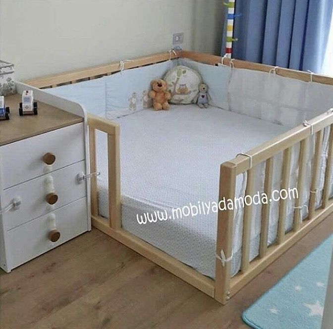 Kleines Kinderzimmer, Kinderzimmer Einrichten, Kinderzimmer Ideen,  Prinzessinnen Bett, Zwillinge Baby, Diy