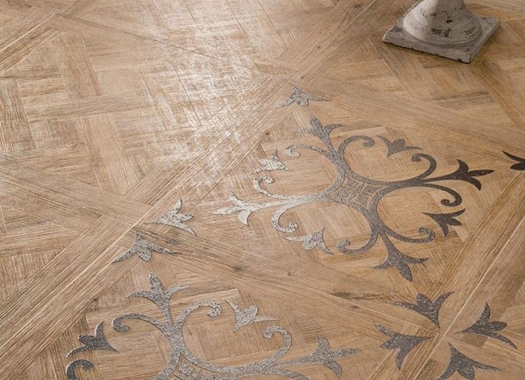 Patterned-wooden-floor-tiles-with-fleur-de-lis-motif