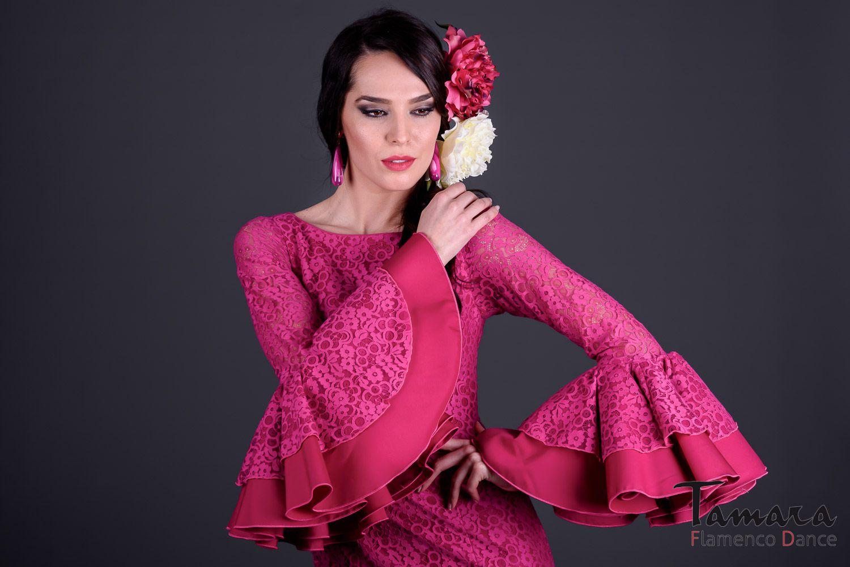 Pin de Raya en Faralaes   Pinterest   Trajes de flamenco, Flamenco y ...